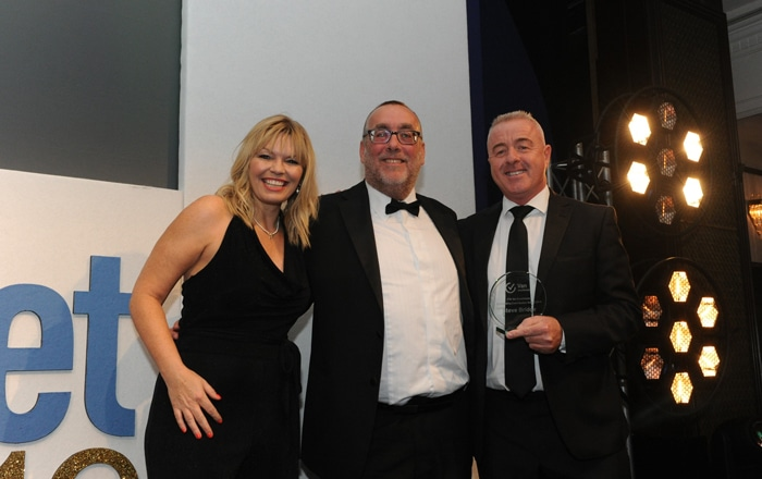 Mercedes-Benz Vans' Steve Bridge Honoured With Outstanding Achievement Award By FTA Van Excellence At Commercial Fleet Awards.
